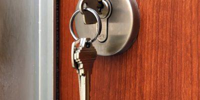 Замена ключей во входных дверях работа от 1000 руб